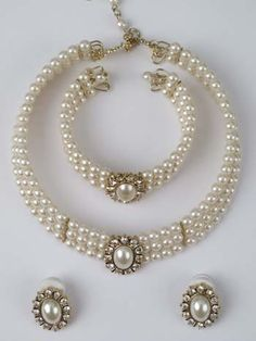 Latest Artificial Pearl Jewellery Online at Best Price